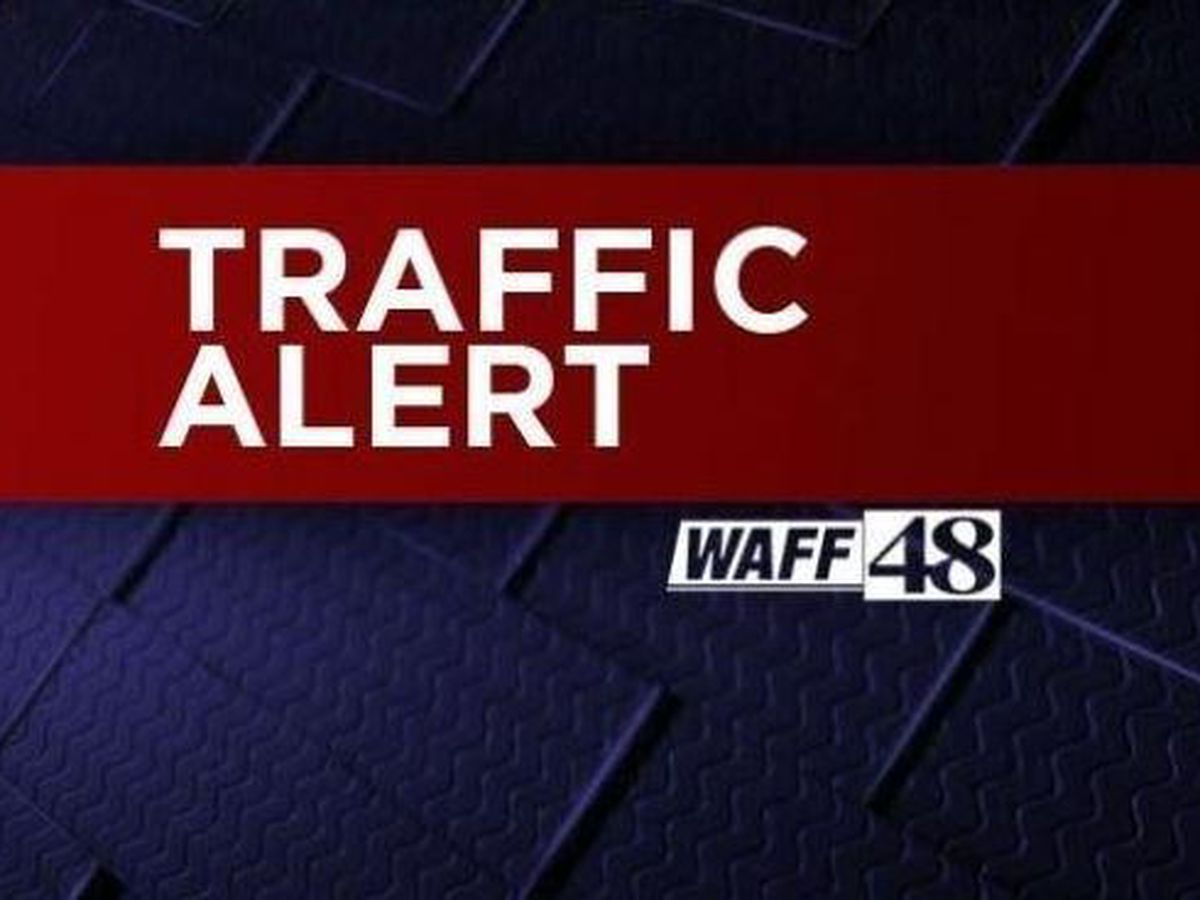 Athens intersection reopens after wreck