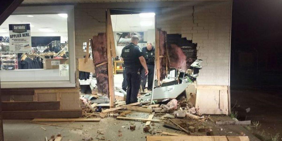 Police make arrest in smash-and-grab at Guntersville gun store
