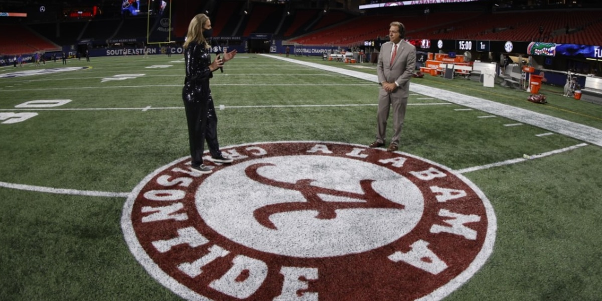 Alabama faces Notre Dame in college football playoffs, Tide will play in Arlington Texas January 1