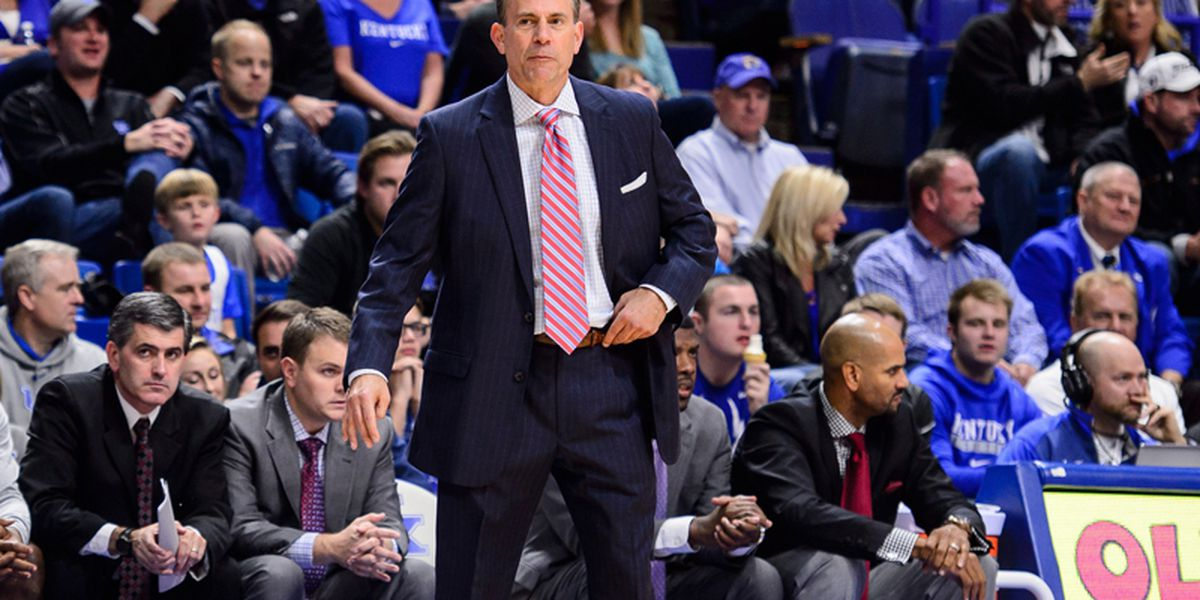 Troy fires basketball coach after 6 seasons