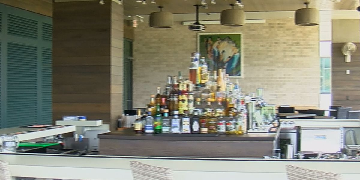 Huntsville bar, restaurant employees adjusting to increased COVID-19 numbers