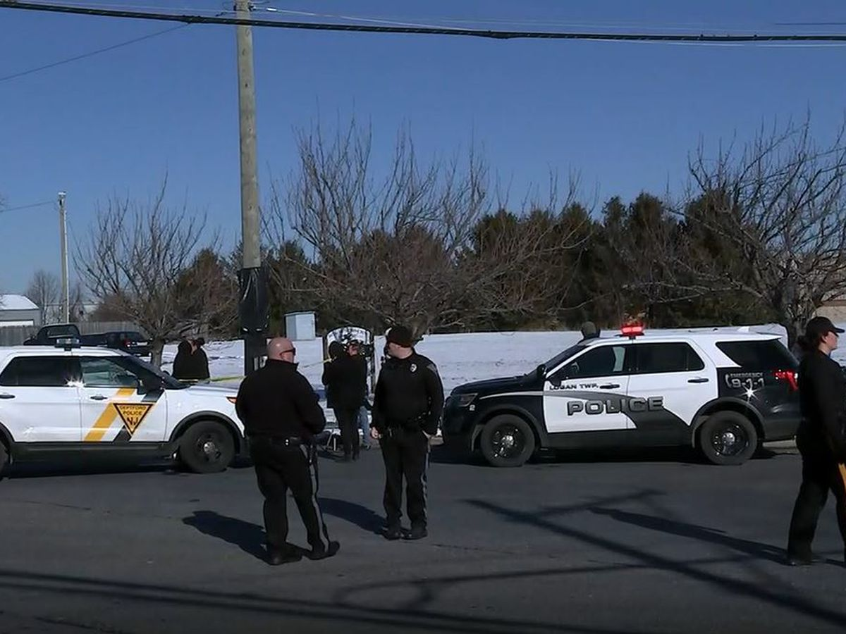 Man who took 2 women hostage at UPS facility is dead