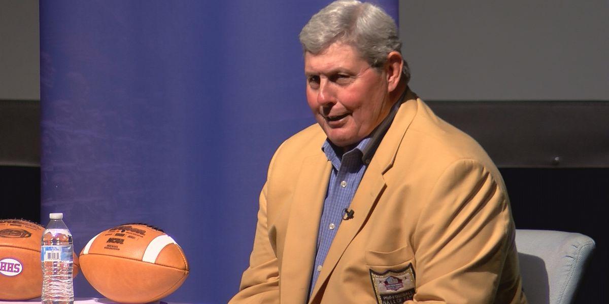 Hall of Famer offers Huntsville student athletes encouragement against bullying