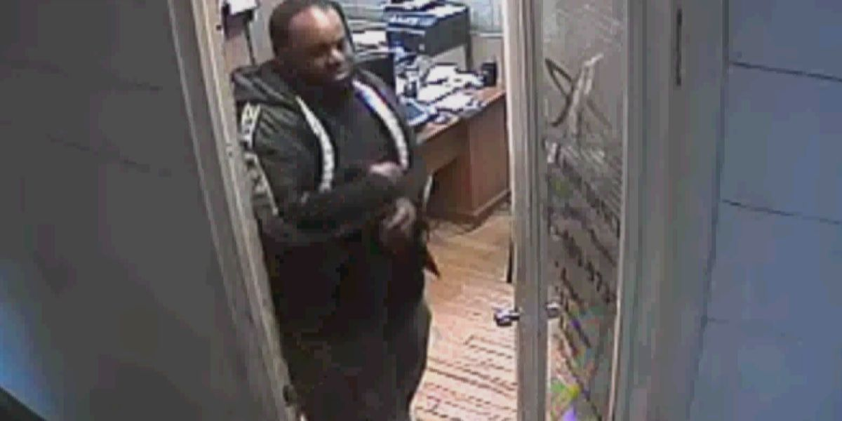 Crime Stoppers: Customer steals wallet from Huntsville tire store