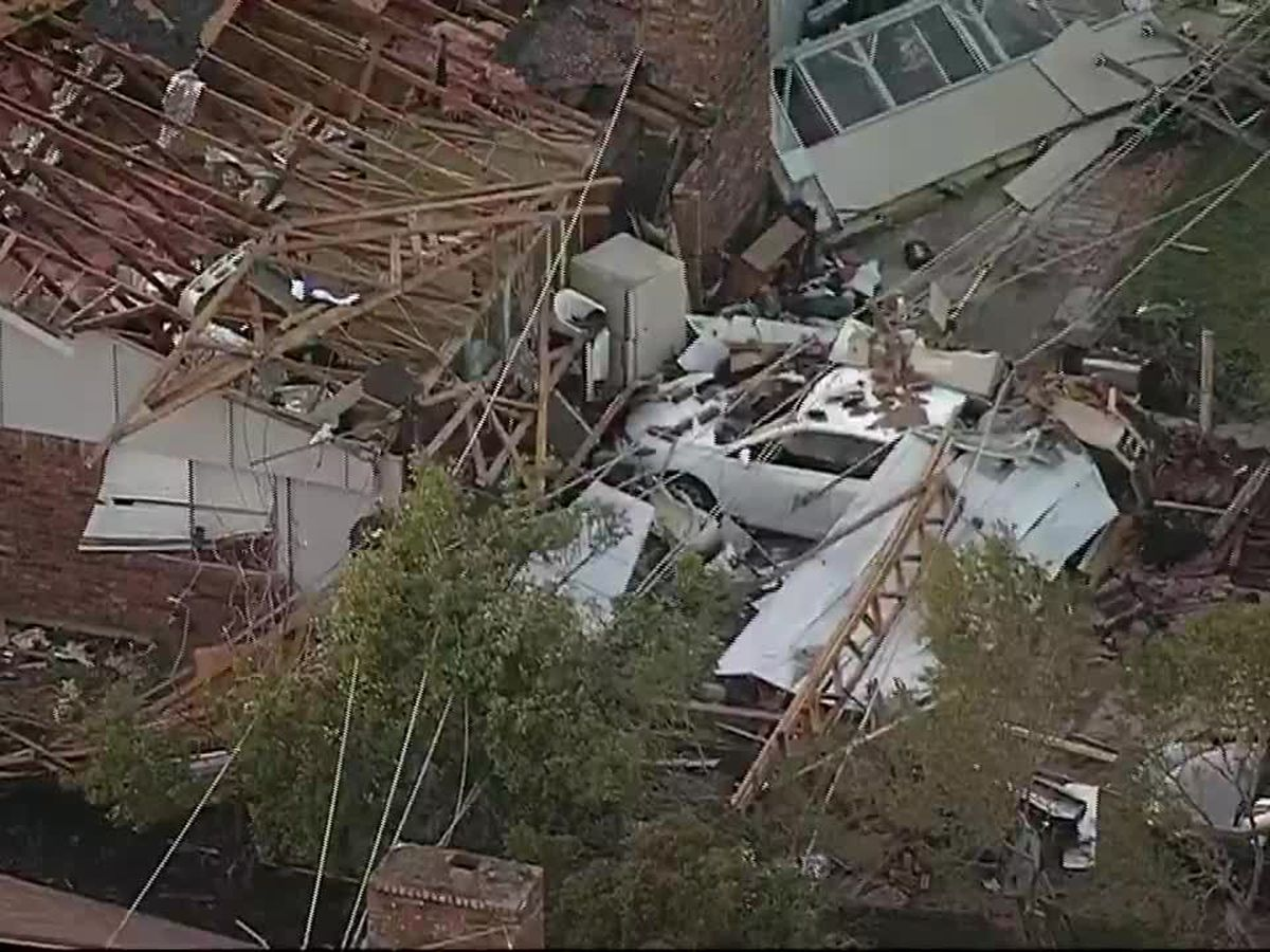 Tornado slams Dallas; 4 killed in Arkansas, Oklahoma
