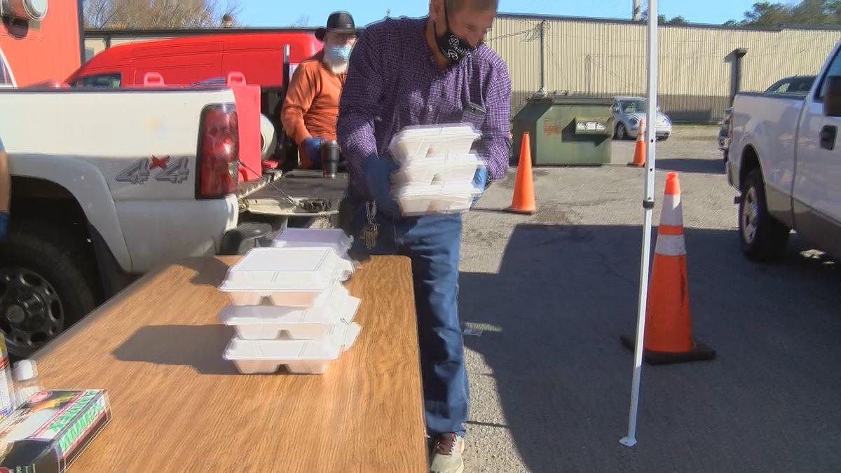 Scottsboro restaurant serves free Thanksgiving meals to families