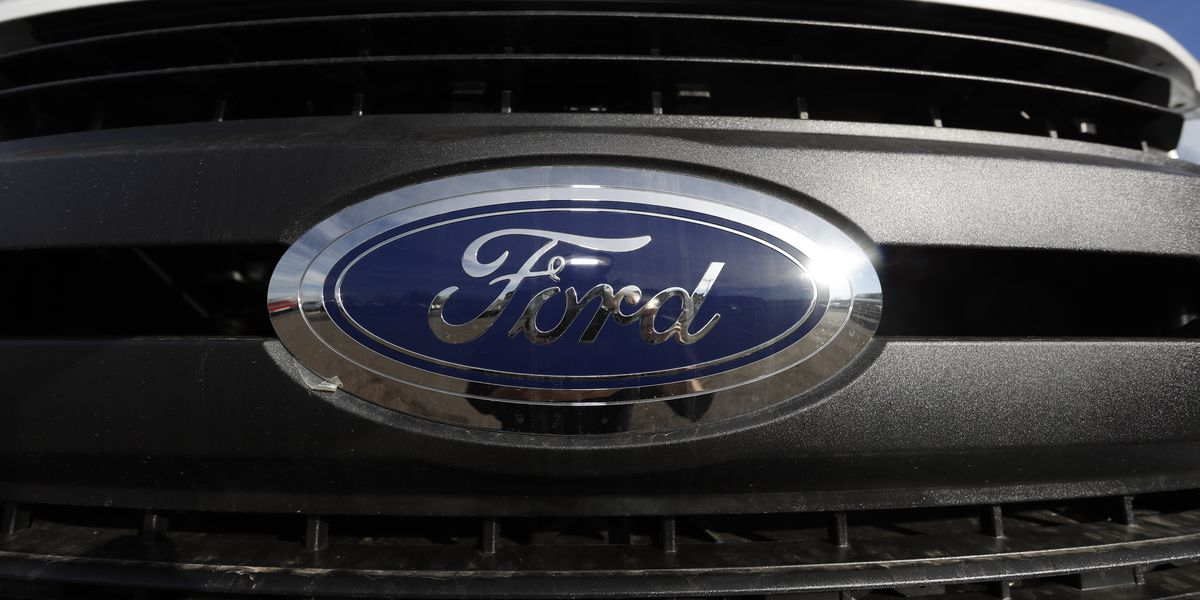 Ford recalls popular F-150 pickup to fix headlamp problem