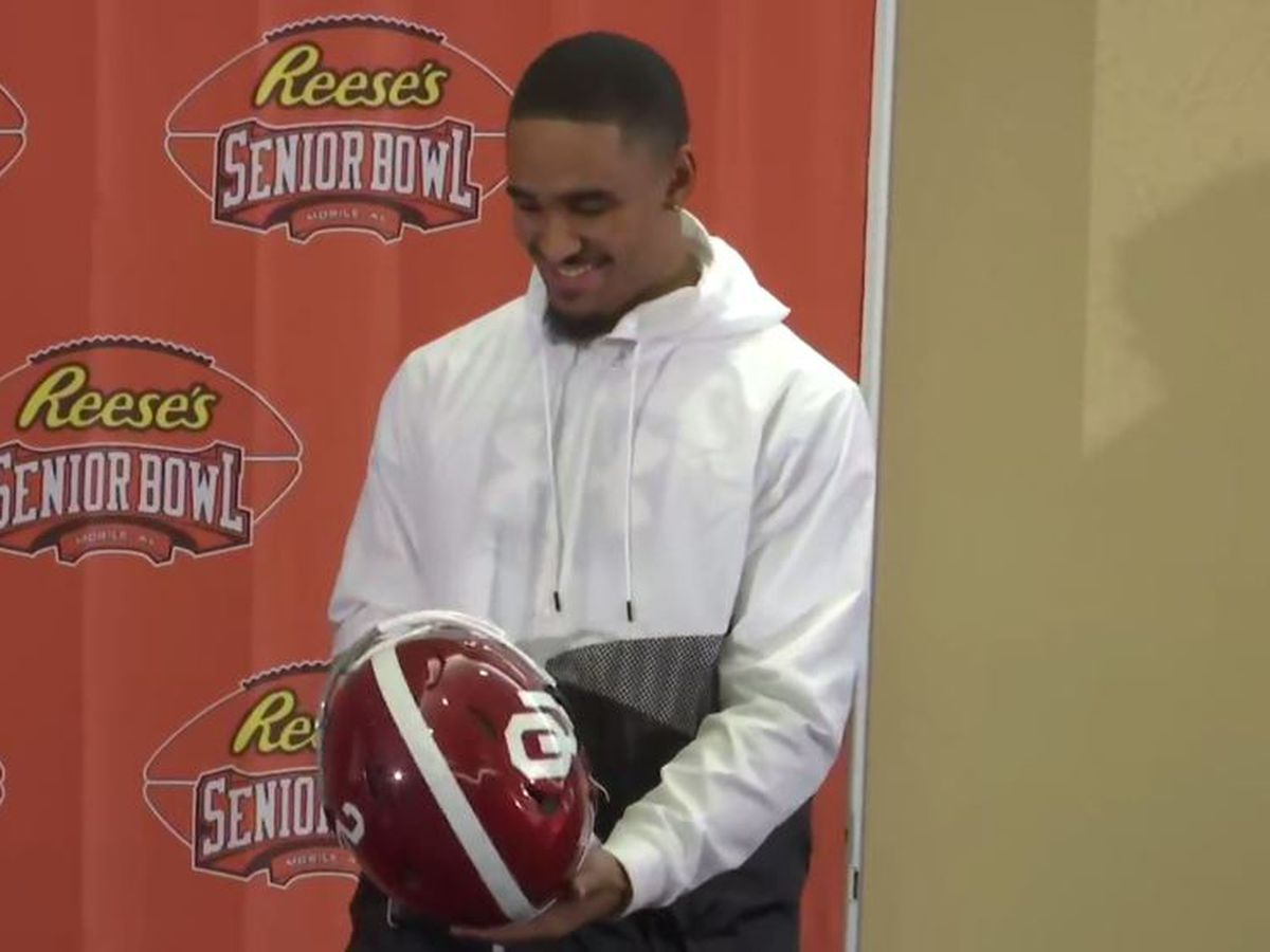 Jalen Hurts presented with special helmet for Senior Bowl