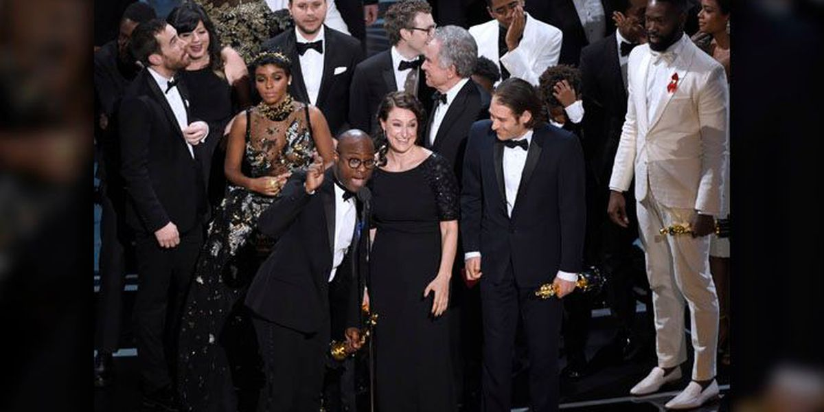 Morning Headlines: 'Moonlight' wins best picture at botched Academy Awards