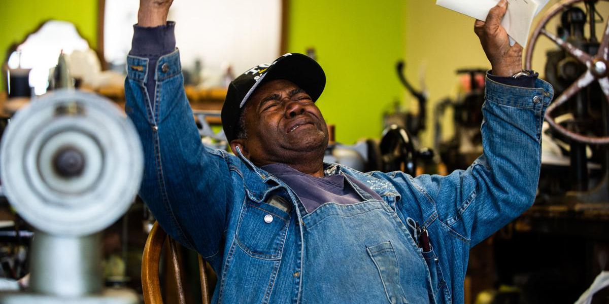 Decatur shoe repairman receives Christmas surprise after thieves stole his equipment