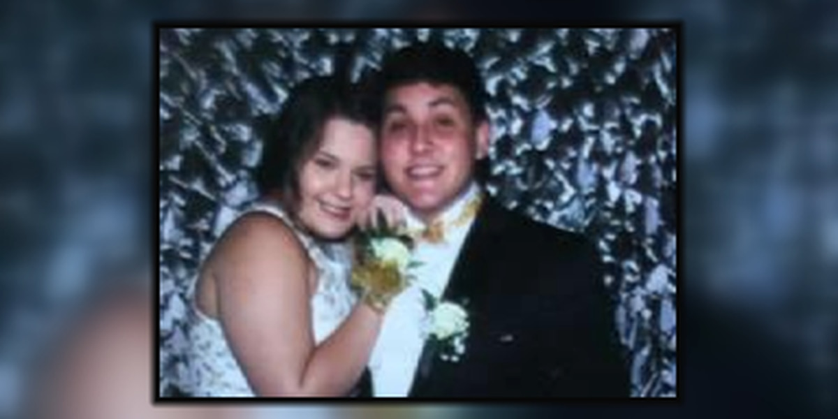 Family, classmates mourn high school couple killed in Morgan County crash