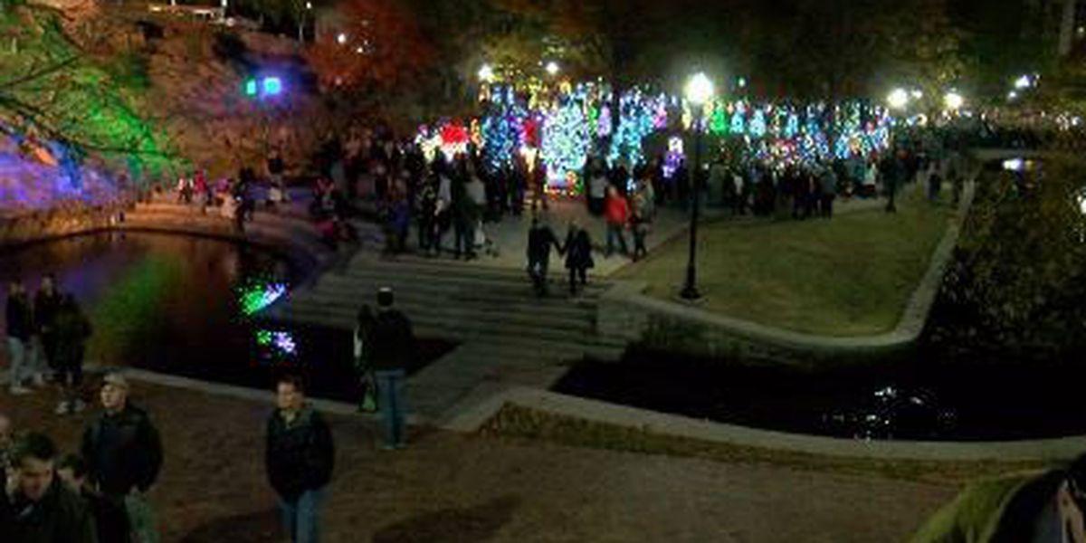Hundreds gather for Tinsel Trail lighting in Huntsville
