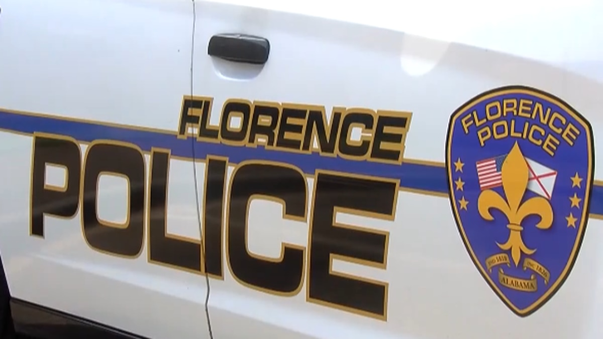 A Florence Police Officer's good deed has gone viral after helping a 9-year old girl after her cat died this week
