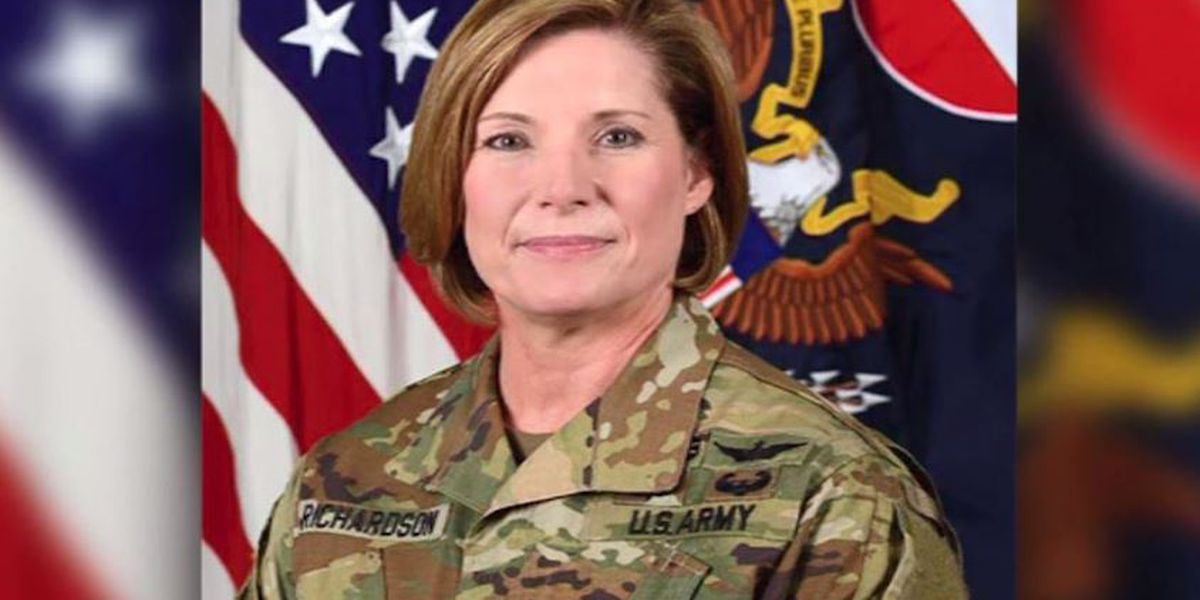 Lt. Gen. Laura Richardson becomes first woman to lead largest command in US Army