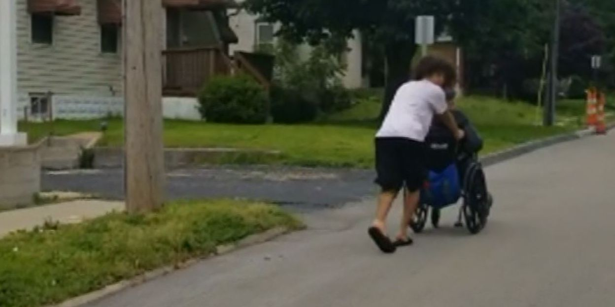 Teenager pushes double amputee home in wheelchair during storm warning