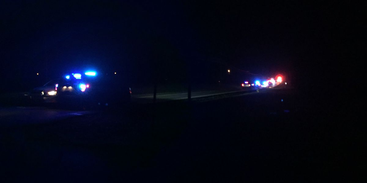 1 killed, 1 injured in overnight wreck in Huntsville