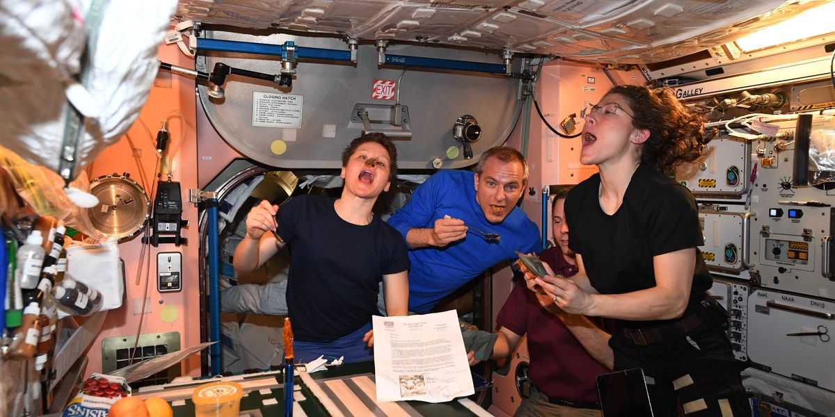 ISS astronauts give shoutout to Decatur High School culinary students