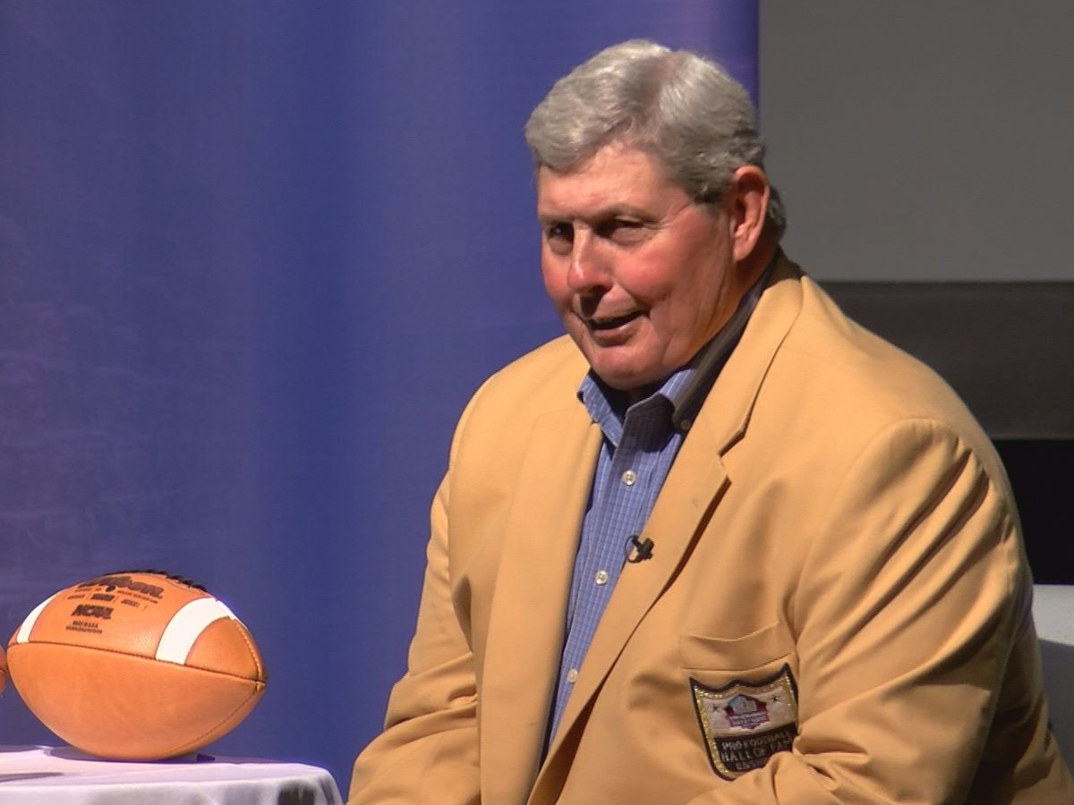 Hall of Famer offers Huntsville student athletes encouragement against bullying