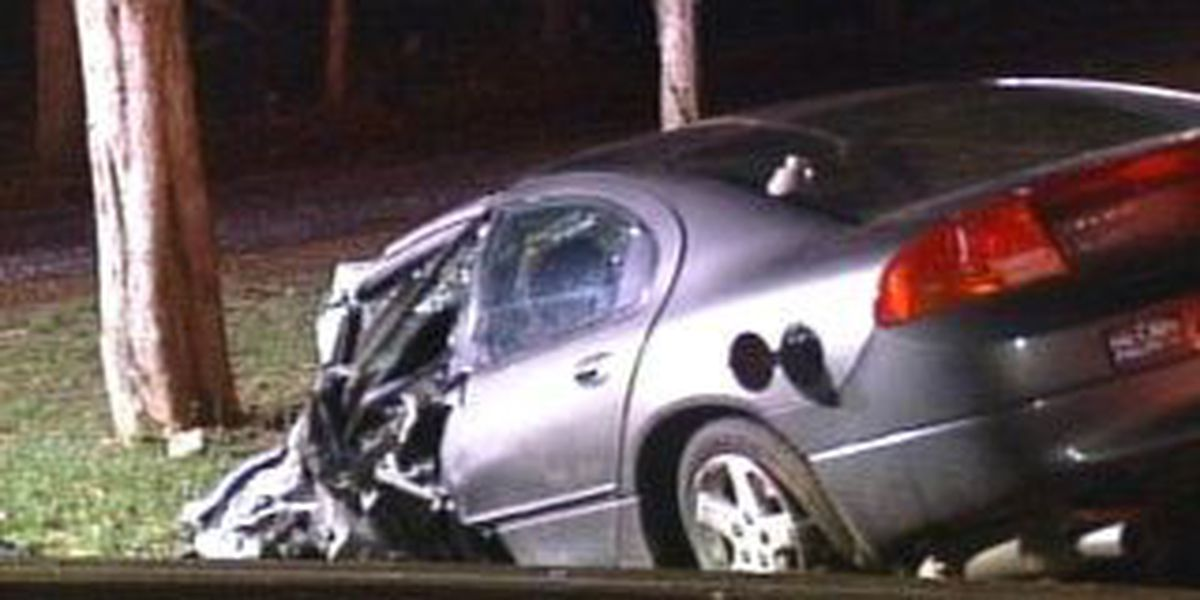 Three hospitalized in overnight wreck