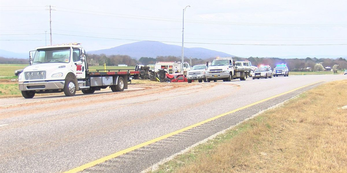 Huntsville man killed, 5 injured in wreck on U.S. 72