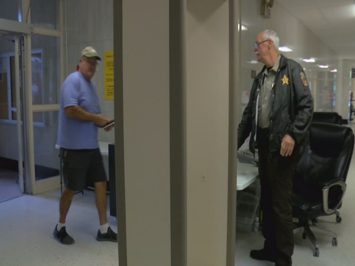 Jackson County sheriff opposing plan to remove armed security at courthouse with unarmed security
