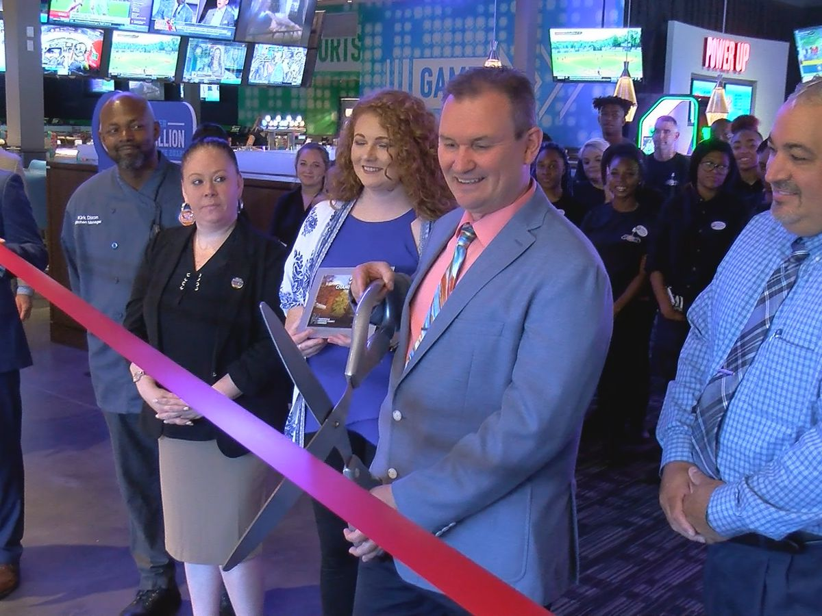 Huntsville's Dave & Buster's opens for business