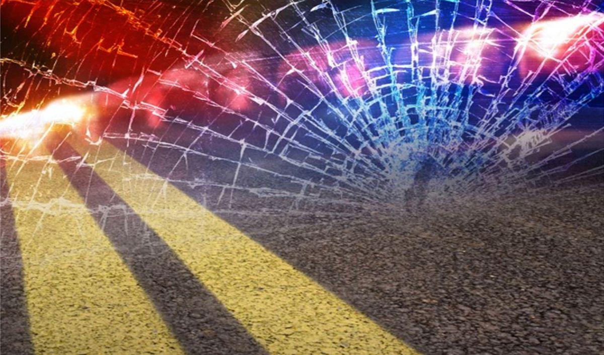 One woman fatally injured in a car wreck near Sommerville