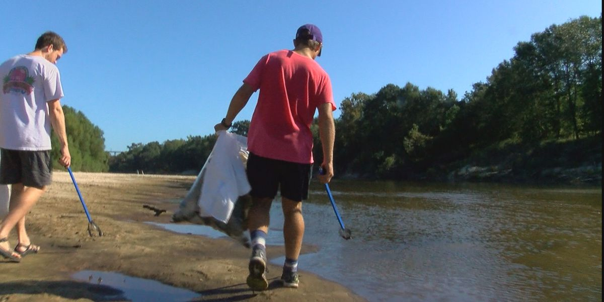 TN Riverkeeper cleans up more than 1,300 pounds of liter from waterway in Decatur