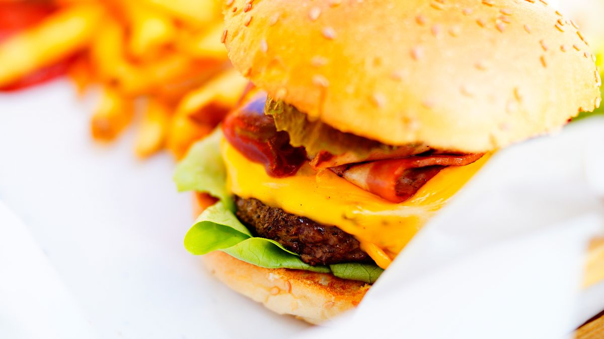 Where to find deals for National Cheeseburger Day!
