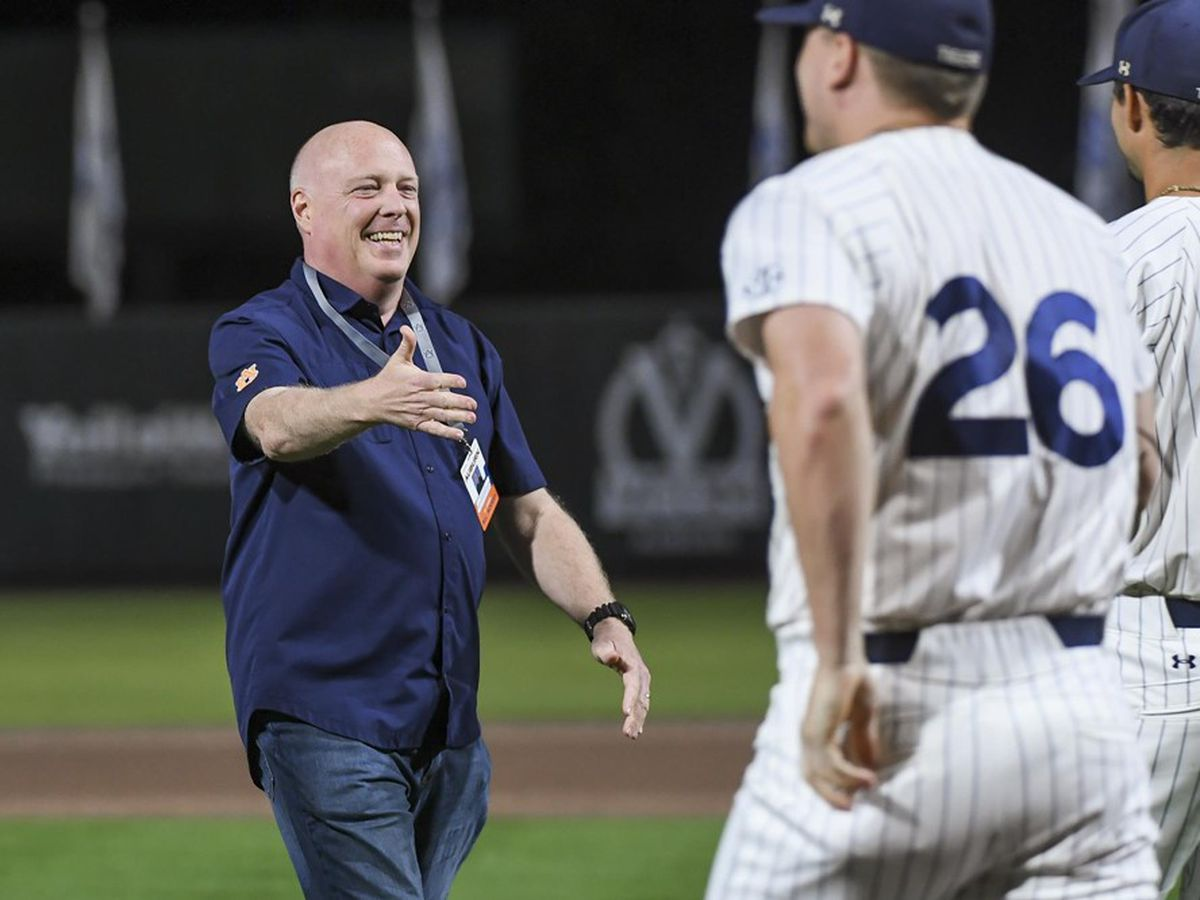 Auburn's Rod Bramblett, wife killed in vehicle crash