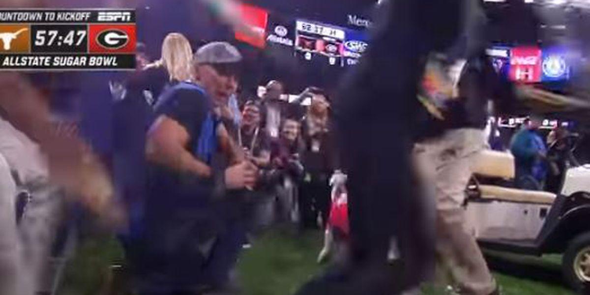 VIDEO: Texas mascot Bevo charges Georgia bulldog Uga during Sugar Bowl