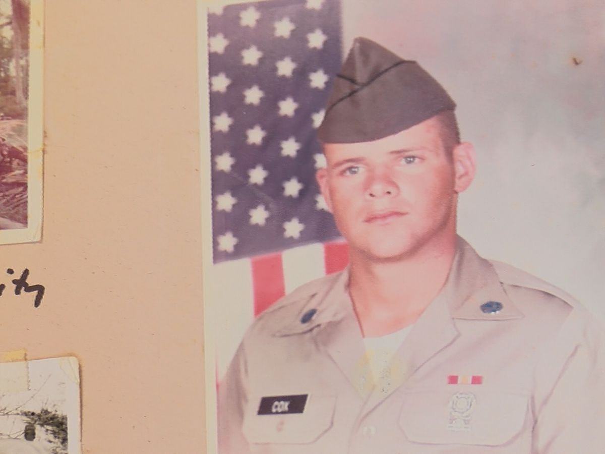 Pawn shop asking for help to get military memorabilia back to veterans' family