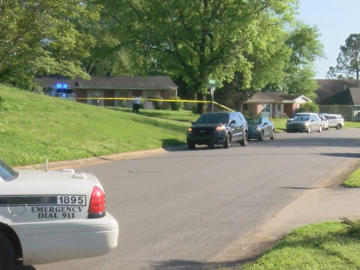 Traffic stop ends in officer-involved shooting in north Huntsville