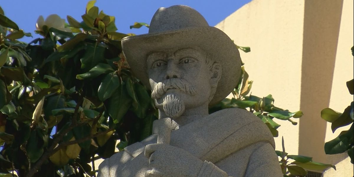 Group raises money to remove Confederate statue from Madison County Courthouse