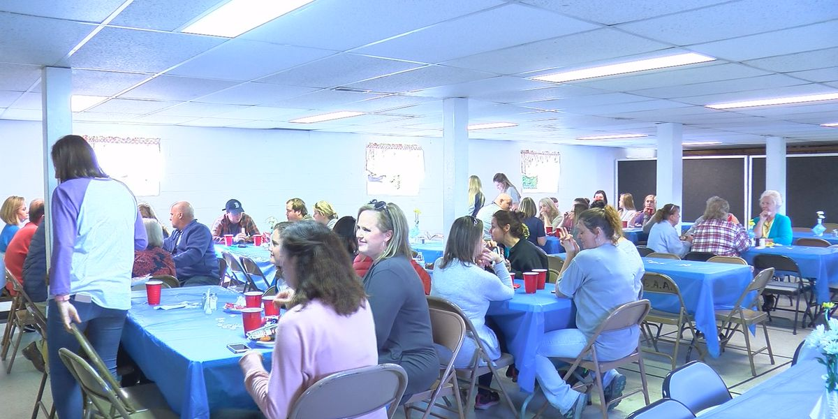 Local church provides Brindlee Mountain Primary School staff with lunches