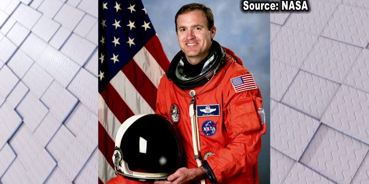 Ex-astronaut set for trial in wreck that killed 2 girls