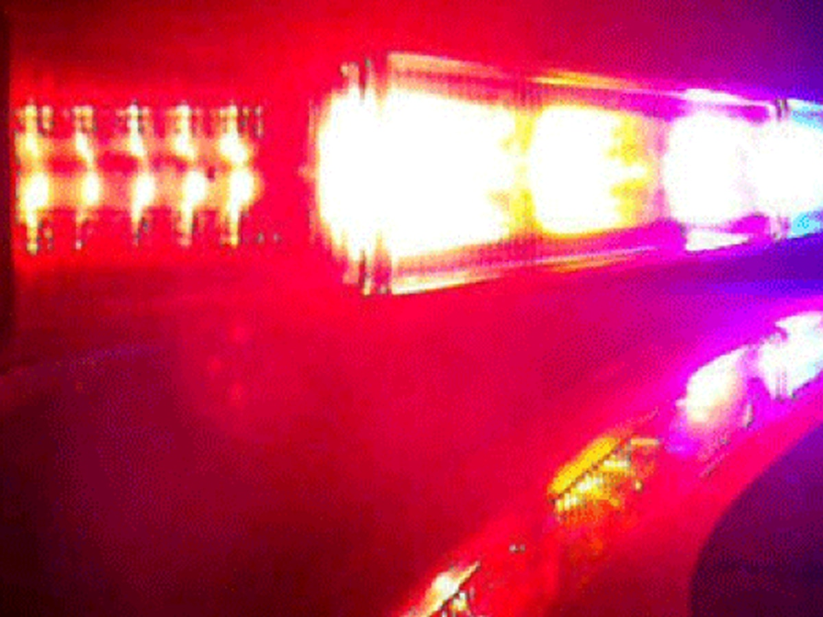 1 dead, 1 injured after car wreck in Florence