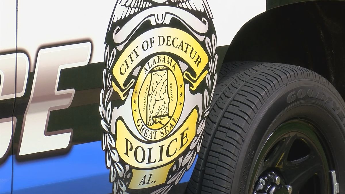 Decatur bank robbery, car chase leaves one man in the hospital