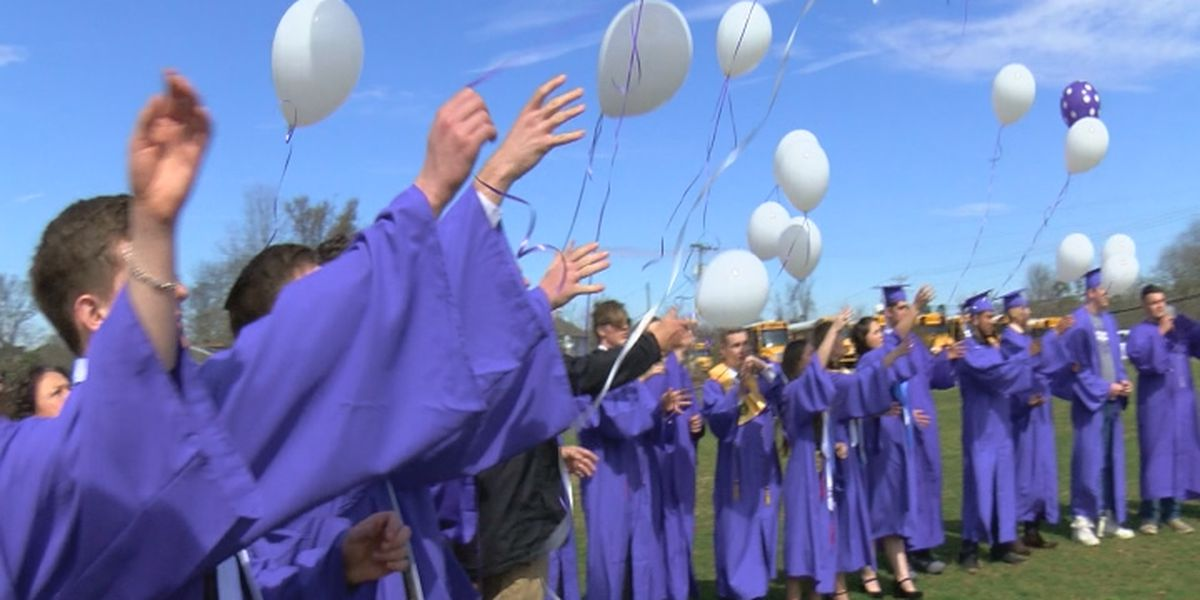 Senior class at Geraldine pays tribute to fellow student who recently died