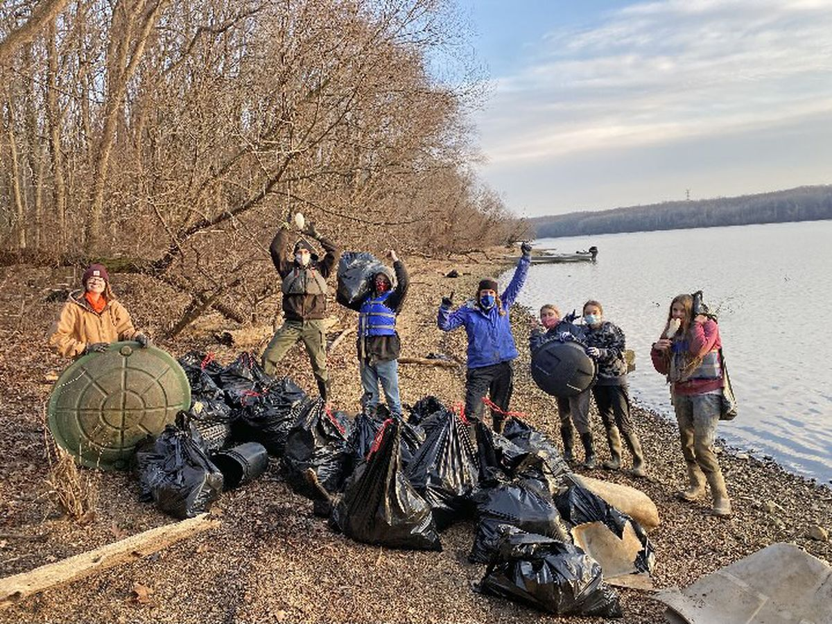 Keep the Tennessee River Beautiful volunteers work to keep trash off the roads, out of water