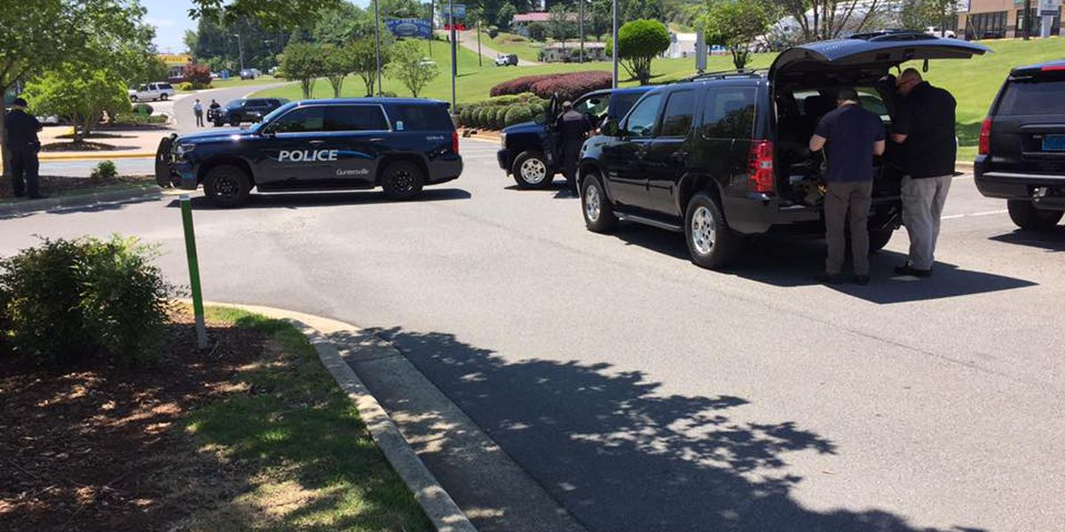 Bomb squad responds to suspicious packages outside Guntersville bank