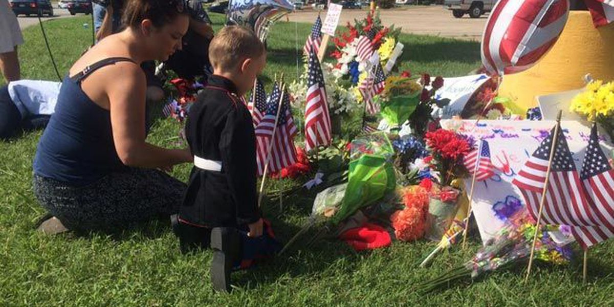 Memorial set up for Marines killed in Chattanooga