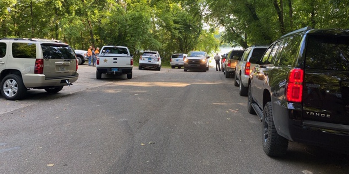 Morgan County officials recover unidentified body found near Bluff City Landing