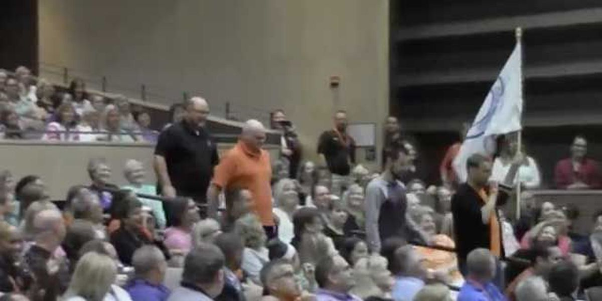 VIDEO: School district meeting turns into musical flash mob