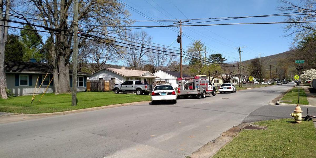 Truck crashes into Northeast Huntsville home
