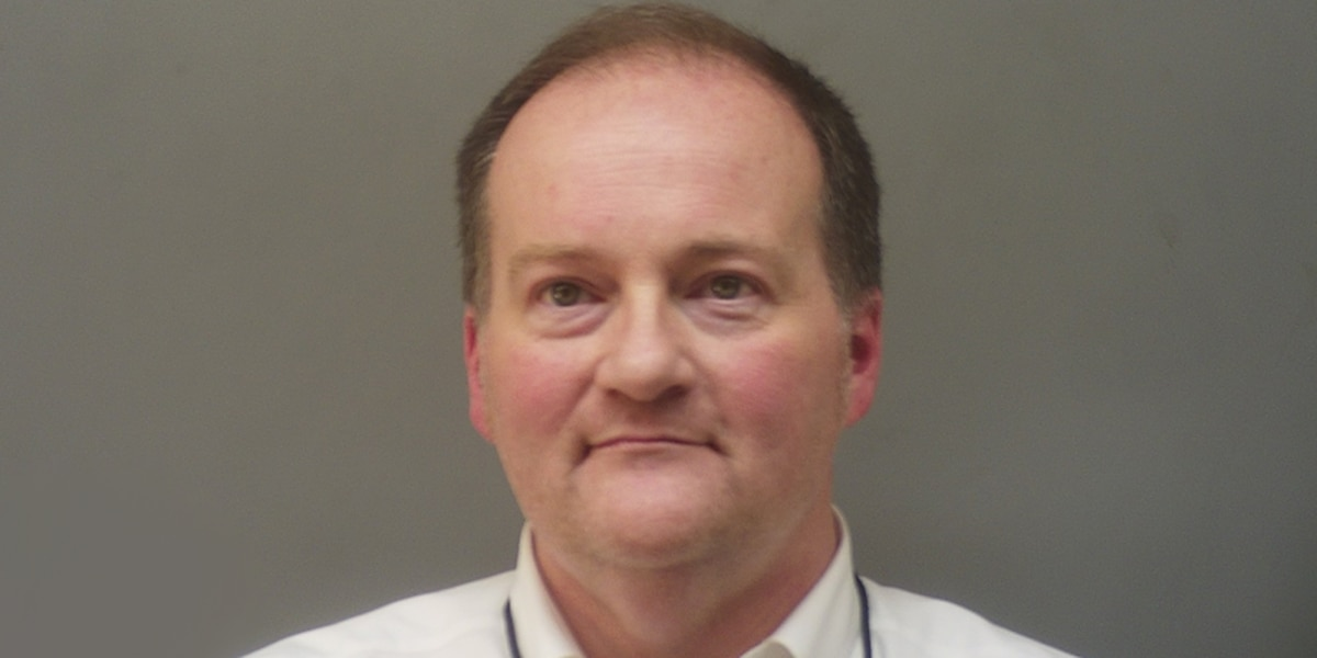 Colbert County man reportedly used mug shot to demand payment