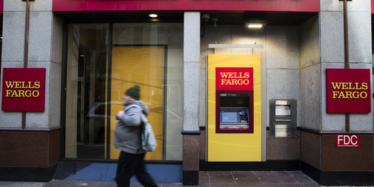 Wells Fargo nationwide outage affecting debit cards, online banking due to smoke at one of the bank's facilities