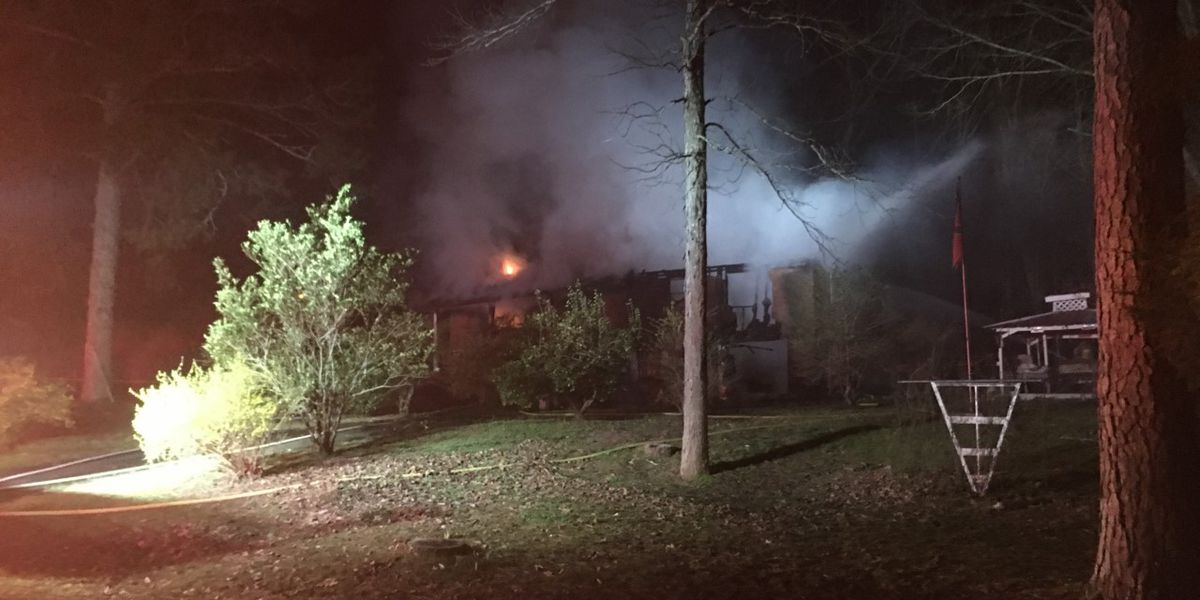 Overnight fire damages home in New Hope