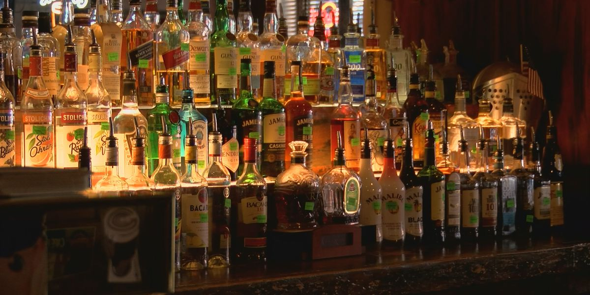 Birmingham restaurant owner calls to bring back curbside alcohol sales