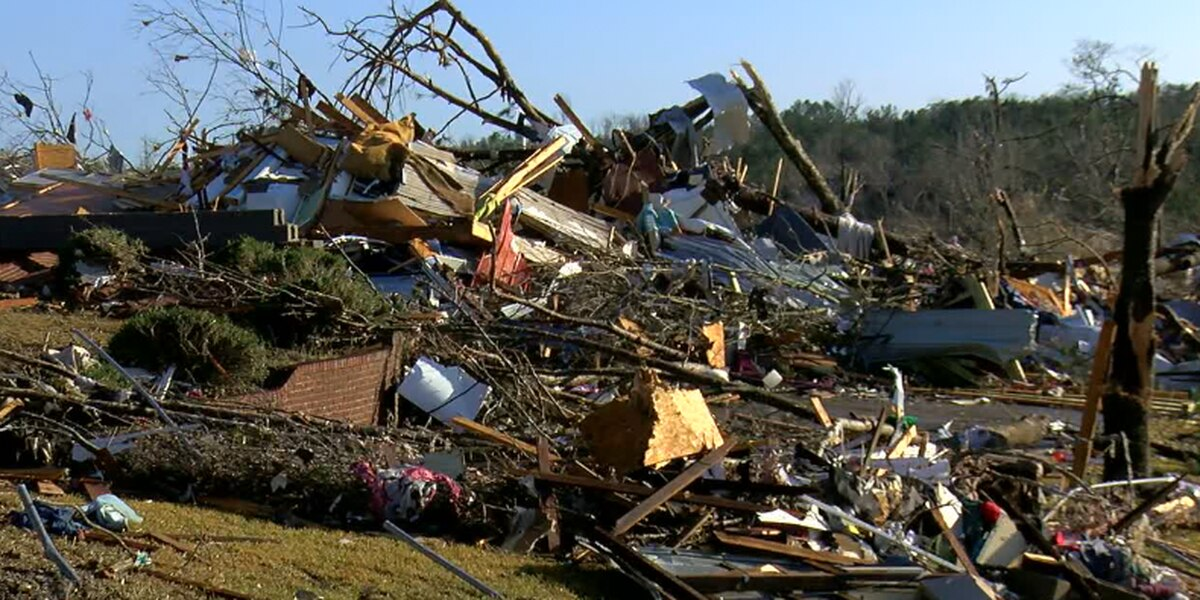 Curfew issued in tornado damaged areas of Fultondale, 3 arrested for stealing from damaged house
